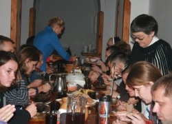 Обід в інститутській їдальні