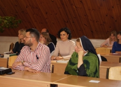 Студенти під час заслуховування інавгураційної доповіді